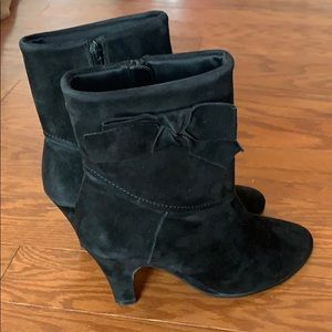 Aerosoles Bow Boots Suede Size 7 Black